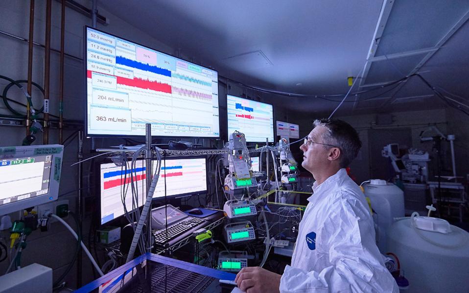 Ο εμβρυολόγος Μάρκους Ντέιβις του Παιδιατρικού Νοσοκομείου Φιλαδέλφειας.