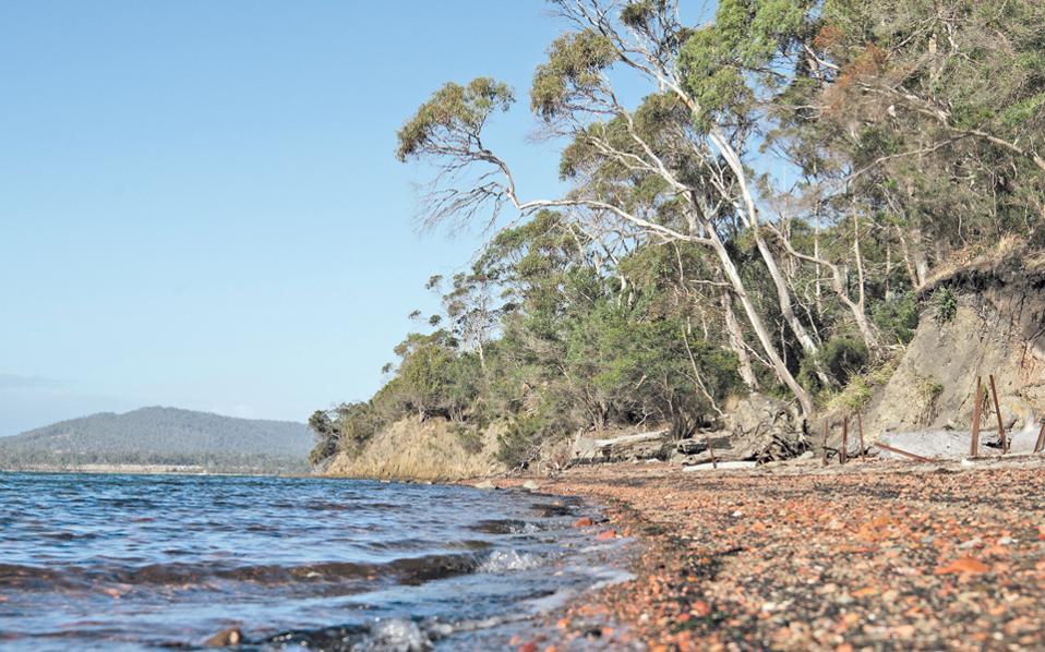 Η παραλία του ιστορικού ορυχείου στη νότια Τασμανία, όπου κάποτε εργάζονταν οι κατάδικοι, κινδυνεύει από τη διάβρωση.