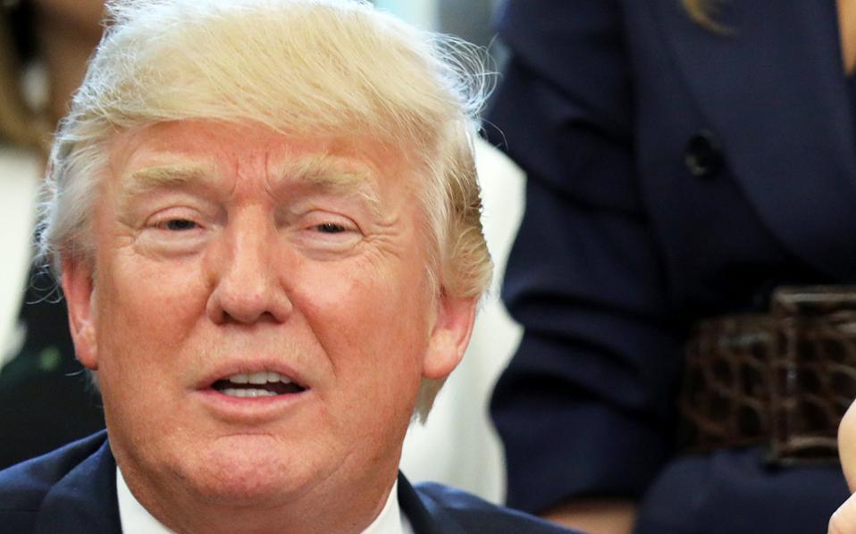 «Αποτελεί προνόμιό μου να προχωρήσω στην επικαιροποίηση της NAFTA, μέσω της επαναδιαπραγμάτευσής της», δήλωσε ο κ. Τραμπ.