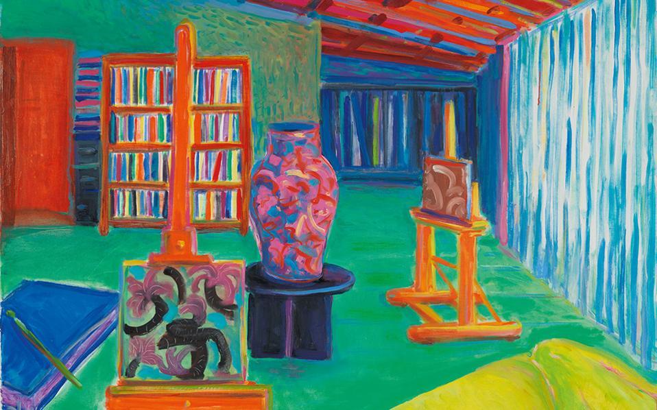 Ο οικείος χώρος του εργαστηρίου του ζωγράφου, αποτυπωμένος με έντονα χρώματα.