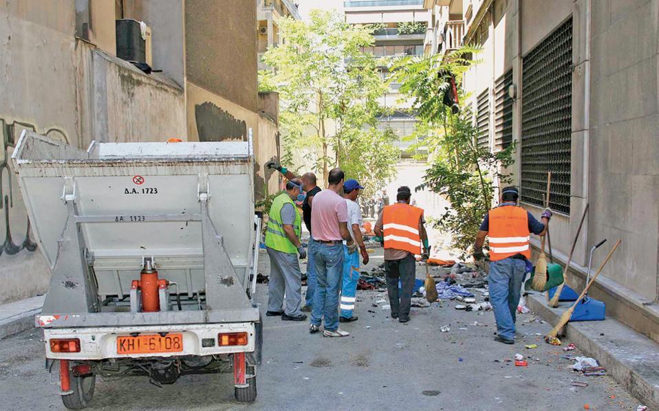Η παράταση των συμβάσεων εργαζομένων στην καθαριότητα που λήγουν έως το τέλος του Απριλίου είναι υποχρεωτική, σύμφωνα με εγκύκλιο του υπουργού Εσωτερικών, Π. Σκουρλέτη.