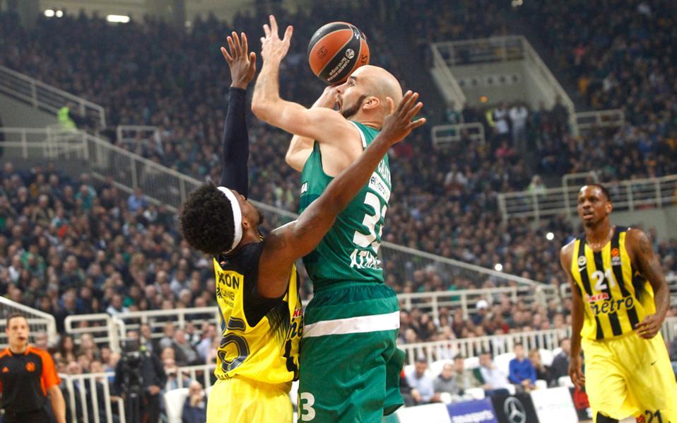 Ο Ολυμπιακός υποδέχεται την ερχόμενη Τετάρτη την Εφές στο ΣΕΦ, ενώ μία ημέρα πριν ο Παναθηναϊκός μπαίνει πρώτος στον χορό των πλέι οφ κόντρα στη Φενέρμπαχτσε του Ομπράντοβιτς στο ΟΑΚΑ.