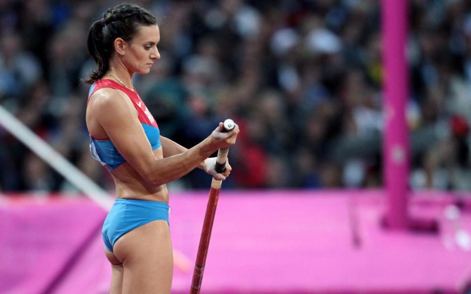 Η ρωσική πλευρά κατηγορεί την IAAF για προσπάθεια εξυπηρέτησης ιδίων συμφερόντων βάλλοντας κατά της Γελένα Ισινμπάγεβα, η οποία έχει χαρακτηρίσει την ανεξάρτητη έρευνα Μακλάρεν (που απέδειξε τις ρωσικές παρανομίες) αβάσιμη «χωρίς καν να την έχει διαβάσει».