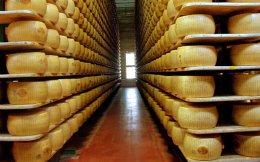Η ιταλική παρμεζάνα μπορεί να μη σημειώσει καλές επιδόσεις στο σύστημα NUTRI-SCORE λόγω άλατος.