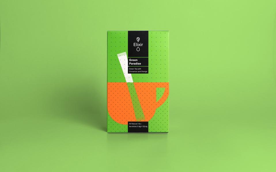 Παιχνίδι με τα χρώματα και τα σχήματα για το τσάι Elixir, το οποίο βρίσκεται μέσα σε stick που χρησιμοποιείται και ως αναδευτήρας.