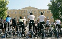 Οσο περισσότεροι ποδηλάτες, τόσο το καλύτερο για την πόλη και τους... ίδιους.