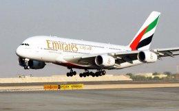 Με την πτήση Αθήνα - Ντουμπάι να τροφοδοτεί την απευθείας σύνδεση της Ελλάδας με τις ΗΠΑ, η Emirates παρακάμπτει τις απαγορεύσεις Τραμπ.