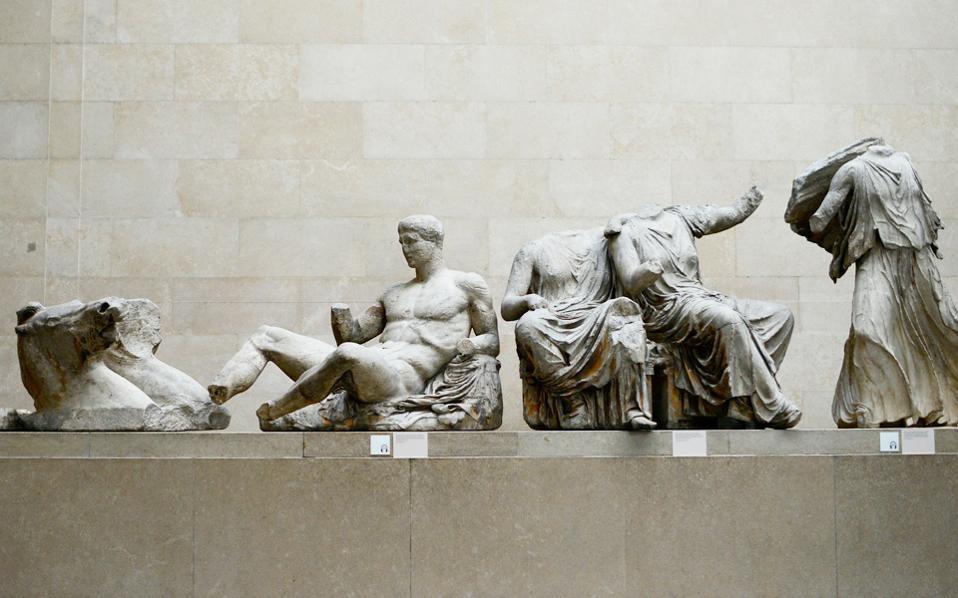 Στο ντοκιμαντέρ ακούγεται και η φωνή όσων απαιτούν τον επαναπατρισμό αρχαιοτήτων ή έργων. Η Ελλάδα, με τον διαρκή αγώνα της για τον επαναπατρισμό των Μαρμάρων του Παρθενώνα από το Βρετανικό Μουσείο, είναι ένα παράδειγμα.