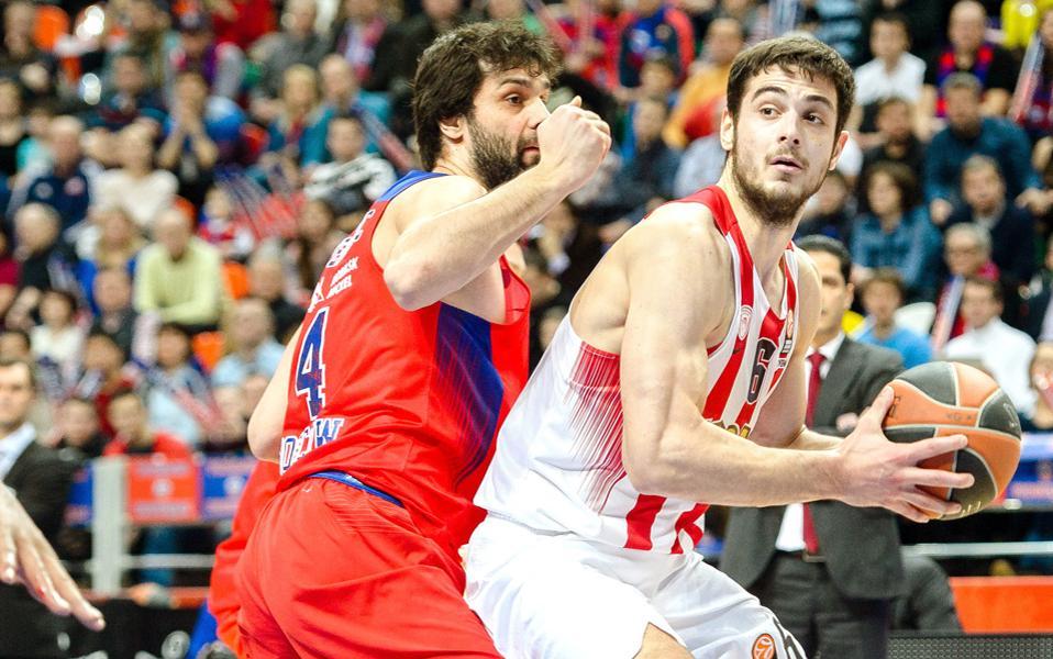 Η απουσία του Μίλος Τεόντοσιτς από τα μέχρι τώρα παιχνίδια του ρωσικού πρωταθλήματος με την ΤΣΣΚΑ δημιουργεί ερωτήματα, όμως ο Σέρβος πλέι μέικερ, με δηλώσεις του, δεν άφησε «ανοικτό» κανένα ενδεχόμενο να μην τεθεί στη διάθεση του Δημήτρη Ιτούδη στο ματς της ερχόμενης Παρασκευής.