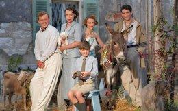 Στο χωριό Δανίλια της Κέρκυρας γυρίζεται η δημοφιλής στη Βρετανία σειρά «Τhe Durells». Πρόκειται για την τηλεοπτική μεταφορά μιας πραγματικής ιστορίας, της μετοίκησης για μερικά χρόνια της οικογένειας Ντάρελ προπολεμικά στο Νησί των Φαιάκων. Ο μεγαλύτερος γιος της οικογένειας, ο Λόρενς, ο οποίος ήξερε καλά την Ελλάδα και την Κύπρο, είναι ο περίφημος συγγραφέας του «Αλεξανδρινού Κουαρτέτου». Η σειρά βρίσκεται στον δεύτερο κύκλο της και εξακολουθεί να γνωρίζει μεγάλη επιτυχία.