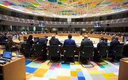 Πριν από την έναρξη της συνεδρίασης του Eurogroup της Δευτέρας, ο υπουργός Οικονομικών Ευκλείδης Τσακαλώτος δεν αποκλείεται να έχει κάποιες συναντήσεις με αξιωματούχους των Βρυξελλών.