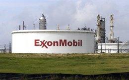 Θεωρείται πολύ πιθανό η συνεργασία να επεκταθεί και στη δημιουργία νέας κοινοπραξίας με τα ΕΛΠΕ στην οποία η ΕxxonΜοbil θα συμμετέχει ως οperator μέσω της οποίας θα «χτυπήσουν» νέες πετρελαιοπιθανές περιοχές της χώρας, με πρώτη την Κρήτη.