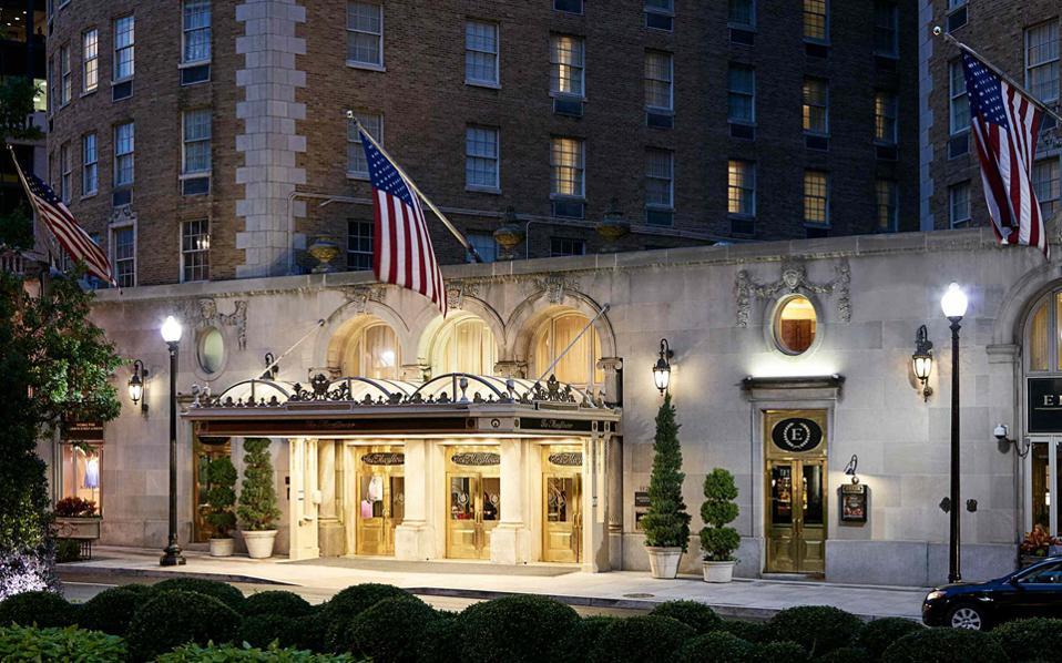 Το ξενοδοχείο «Μεϊφλάουερ», όπου ένας Αμερικανός εκατομμυριούχος επιτέθηκε σε καμαριέρα, με αποτέλεσμα να συλληφθεί.