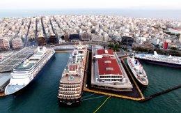 Σε διάφορα σημεία του Πειραιά, όπως στο Εργοστάσιο Λιπασμάτων Δραπετσώνας, διοργανώνονται οι δράσεις του Δημοτικού Θεάτρου σε συνεργασία με το Φεστιβάλ Αθηνών.