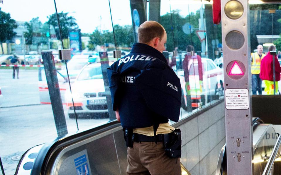 Μία εγκληματική οργάνωση «χταπόδι», με περισσότερα από 500 μέλη, εξάρθρωσε η γερμανική αστυνομία.