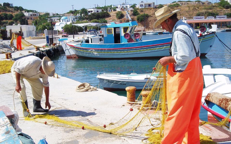 Πολλές δράσεις της Ελληνικής Εταιρείας Πολιτισμού και Περιβάλλοντος εξακτινώθηκαν στα νησιά του Αιγαίου, που κινδύνευαν από την άναρχη δόμηση και την καταστροφή του φυσικού περιβάλλοντος.