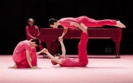 Στο «Rose-variation» οι χορευτές γίνονται σολίστ υπό τους ήχους της σονάτας αρ. 17 του Μπετόβεν.