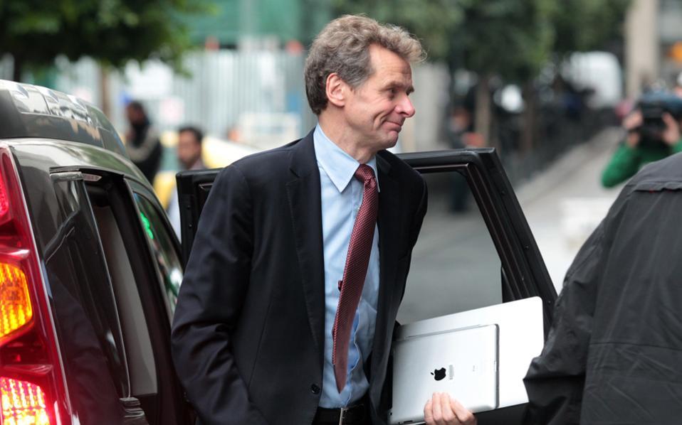 Το ΔΝΤ δεν έχει συμφωνήσει με τη διατύπωση συγκεκριμένης ημερομηνίας για επαναφορά ρυθμίσεων που έχουν «παγώσει», υποστήριξε ο κ. Τόμσεν.