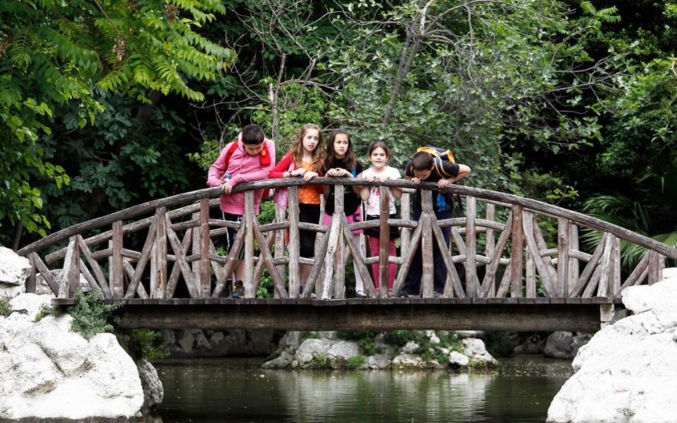 Νέες δράσεις από τον ΟΠΑΝΔΑ, με σύνθημα «ζήσε τους κήπους και τα πάρκα αλλιώς». Σε αυτό το πλαίσιο, ο Εθνικός Κήπος είναι το πρώτο τοπόσημο που αξιοποιεί ο Δήμος Αθηναίων. Θα ακολουθήσει το Αλσος Παγκρατίου το 2018.