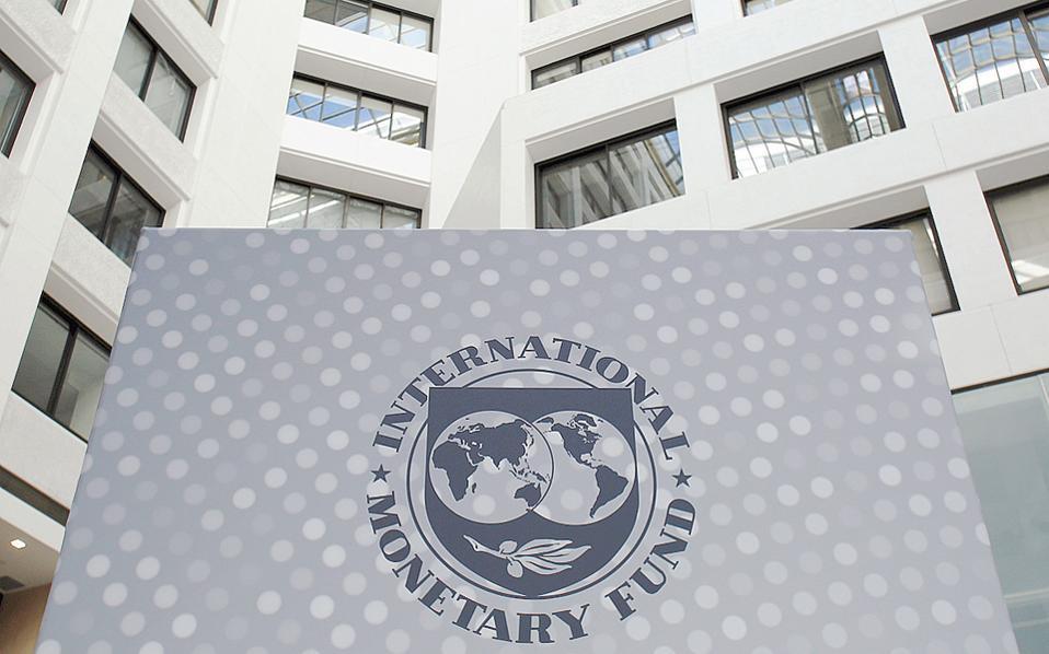"""Παρά την αναμενόμενη συμφωνία, το στέλεχος του ΔΝΤ θεωρεί ότι το ελληνικό πρόβλημα δεν θα πάψει να υφίσταται. «Ας είμαστε ειλικρινείς, θα πάρει 20 χρόνια για να """"φτιάξουμε"""" την Ελλάδα», είπε."""