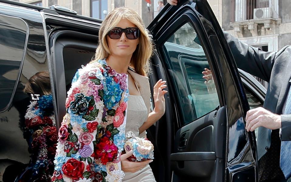 Η Μελάνια Τραμπ φθάνει στο ανάκτορο της Κατάνια, για τη σύνοδο του G7.