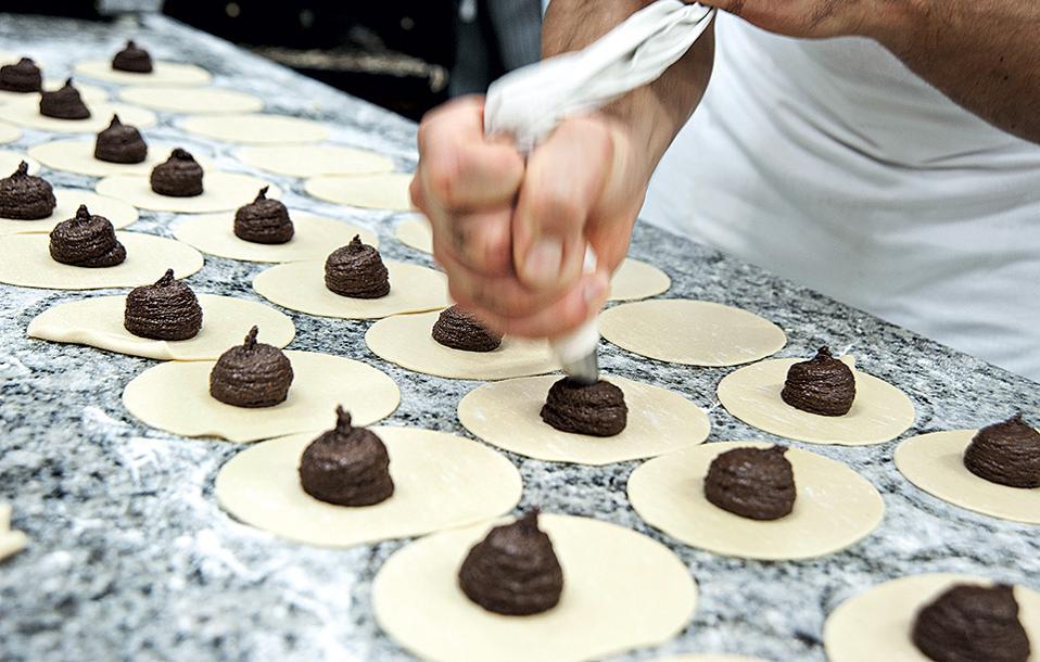 2. Η ιστορική Antica Dolceria Bonajuto στη Modica συνεχίζει να φτιάχνει μέχρι σήμερα υπέροχα γλυκά με πρώτη ύλη τη σοκολάτα.