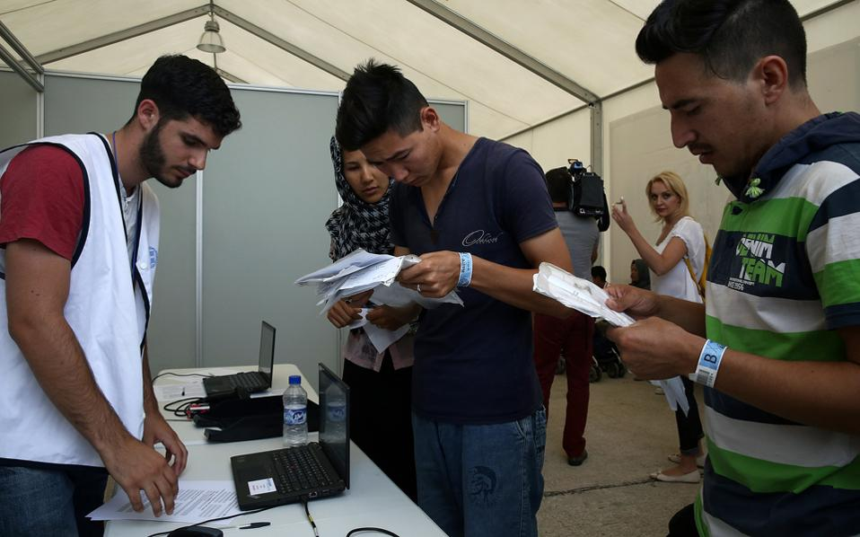 Η Υπηρεσία Ασύλου συνολικά έχει τη δυνατότητα να διεκπεραιώνει 170 αιτήματα την ημέρα.