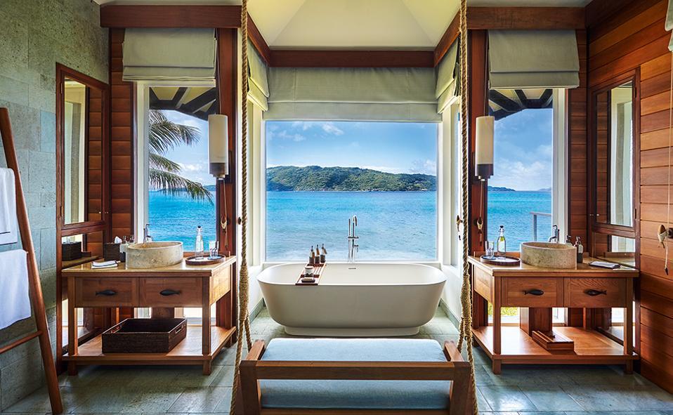 pool_villa_bathroom_6668-a4
