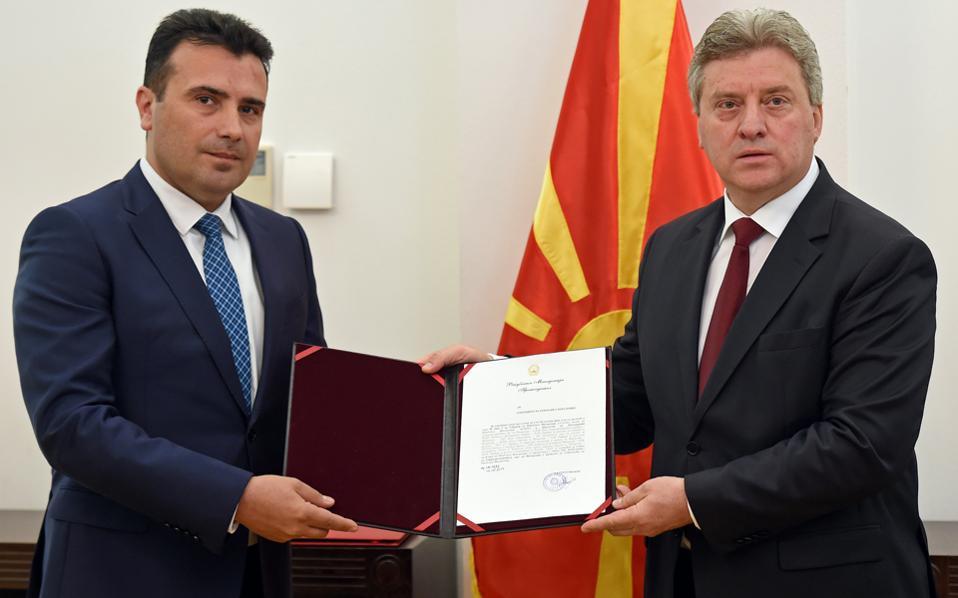 Ο Σοσιαλδημοκράτης Ζόραν Ζάεφ (αριστερά).