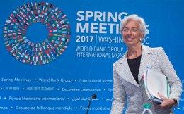 Την περασμένη Κυριακή η γενική διευθύντρια του ΔΝΤ Κριστίν Λαγκάρντ ενημέρωσε τον κ. Τσίπρα ότι το θέμα του χρέους θα παραμείνει ανοικτό.