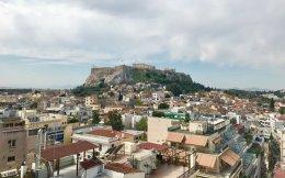 Το σχέδιο για την είσοδο της Αθήνας στο σύμπαν των «έξυπνων πόλεων» περιγράφουν στην «Κ» ο δήμαρχος Αθηναίων Γιώργος Καμίνης και ο Κώστας Χαμπίδης, πρώτος chief digital officer του δήμου. Απώτερος στόχος, να απλοποιηθεί δραστικά η καθημερινότητα των πολιτών μέσω της χρήσης της τεχνολογίας, αλλά και της ψηφιακής ενοποίησης των δημοτικών υπηρεσιών. Παράλληλα, η Κάθριν Ολιβερ, ειδική σε θέματα «έξυπνων πόλεων», μιλάει για το παράδειγμα της Νέας Υόρκης και τις ομοιότητες με την ελληνική πρωτεύουσα.