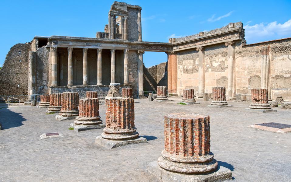 Η Πομπηία αντιμετώπιζε παρόμοια προβλήματα με αυτά της Δήλου. Διάβρωση, έλλειψη πόρων.