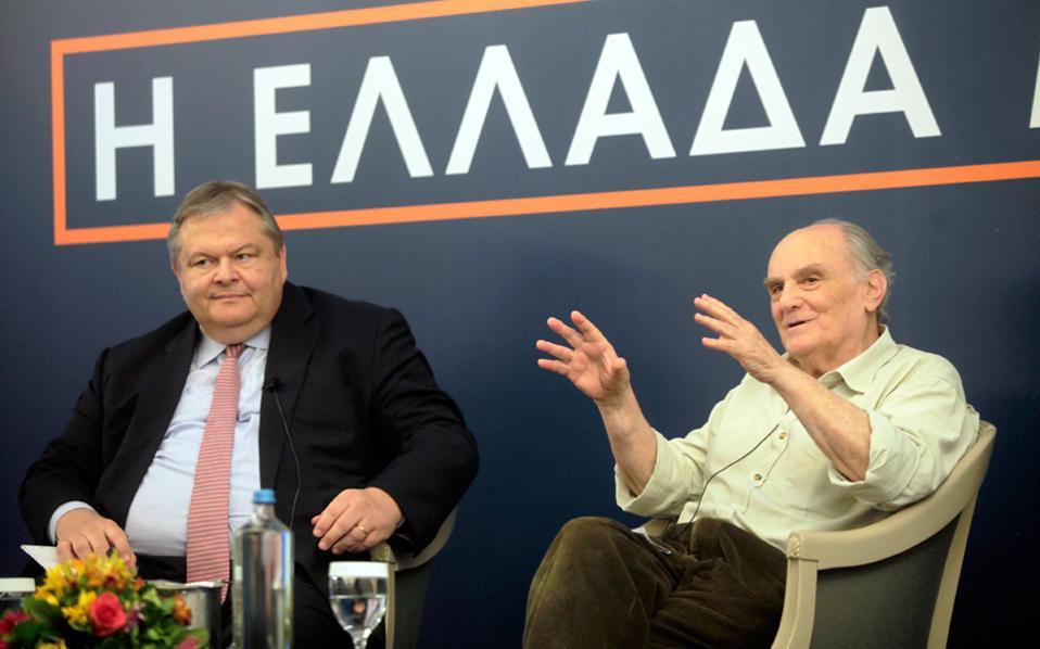 Οι κ. Ευάγγελος Βενιζέλος και Στέλιος Ράμφος κατά τη χθεσινή δεύτερη ημέρα του συνεδρίου του Κύκλου Ιδεών.