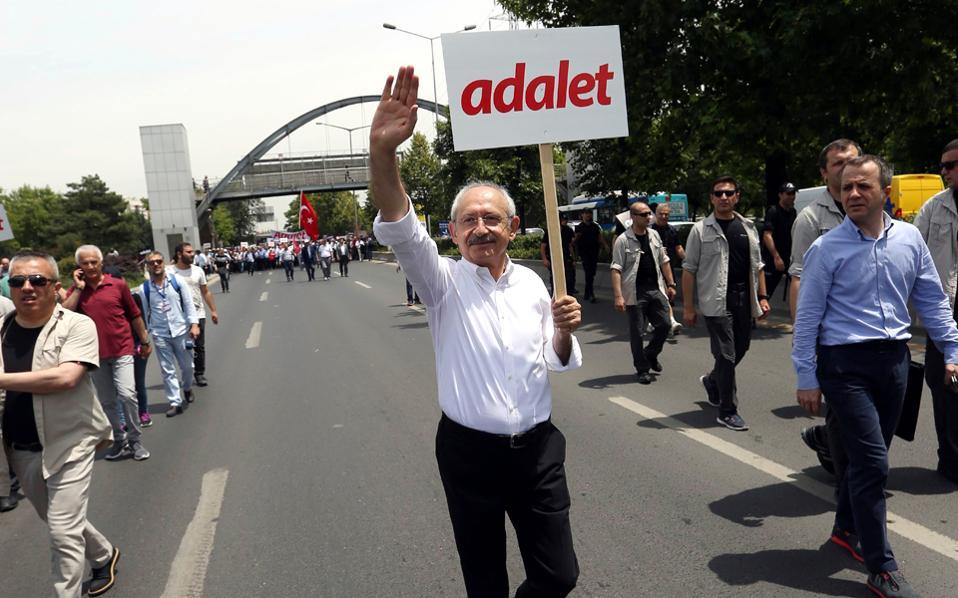 Αποτέλεσμα εικόνας για διαμαρτυρια κατα ερντογαν