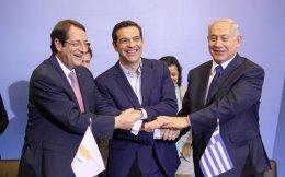 Νίκος Αναστασιάδης, Αλέξης Τσίπρας και Μπέντζαμιν Νετανιάχου κατά τη χθεσινή τριμερή συνάντηση.