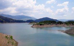 Πολύ κοντά στο Μέτσοβο βρίσκεται η τεχνητή λίμνη των πηγών του Αώου.
