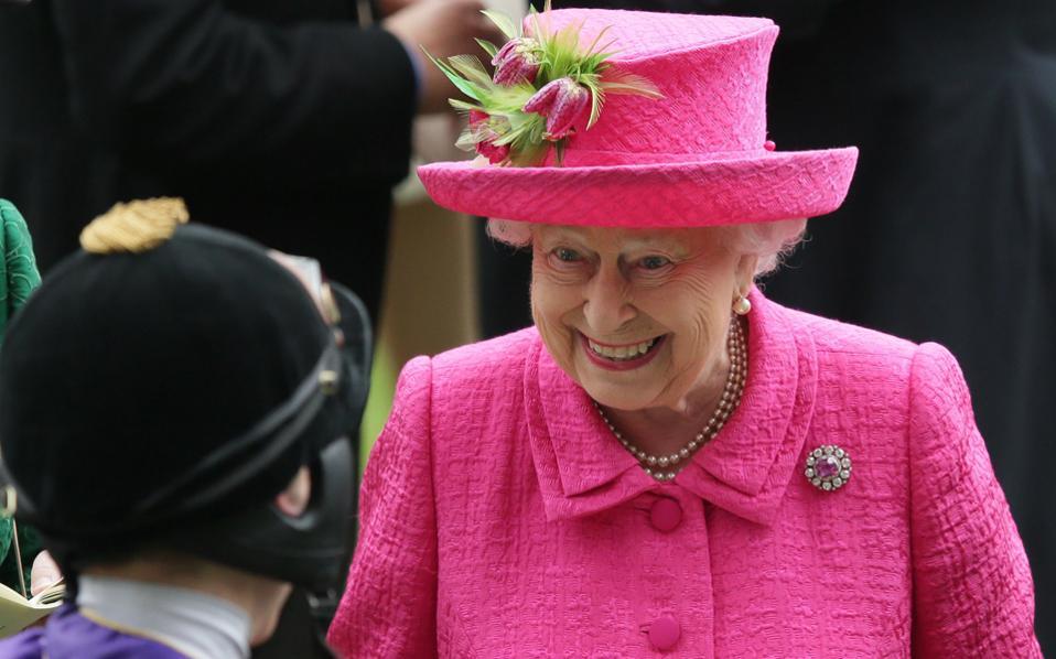 H βασίλισσα Ελισάβετ Β΄ στους ιππικούς αγώνες του Ασκοτ.