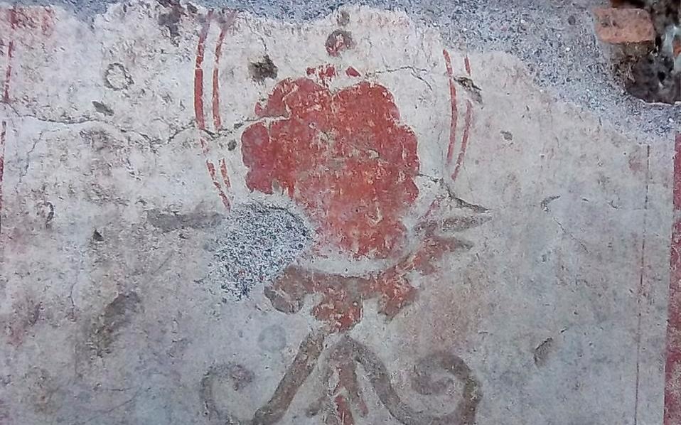 Φωτογραφία τμήματος νωπογραφίας από τον τοίχο της κατοικίας του 3ου μ.Χ. αιώνα, που εντοπίσθηκε στα έργα του μετρό της Ρώμης.