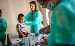 Η πρωτοβάθμια φροντίδα Υγείας στα κέντρα φιλοξενίας που βρίσκονται σε όλη την ηπειρωτική Ελλάδα από τις αρχές Ιουλίου θα παρέχεται από το κράτος.