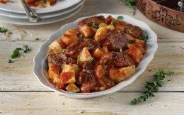 651705017_28545_kokkinista_politiko-mosxaraki-me-patates