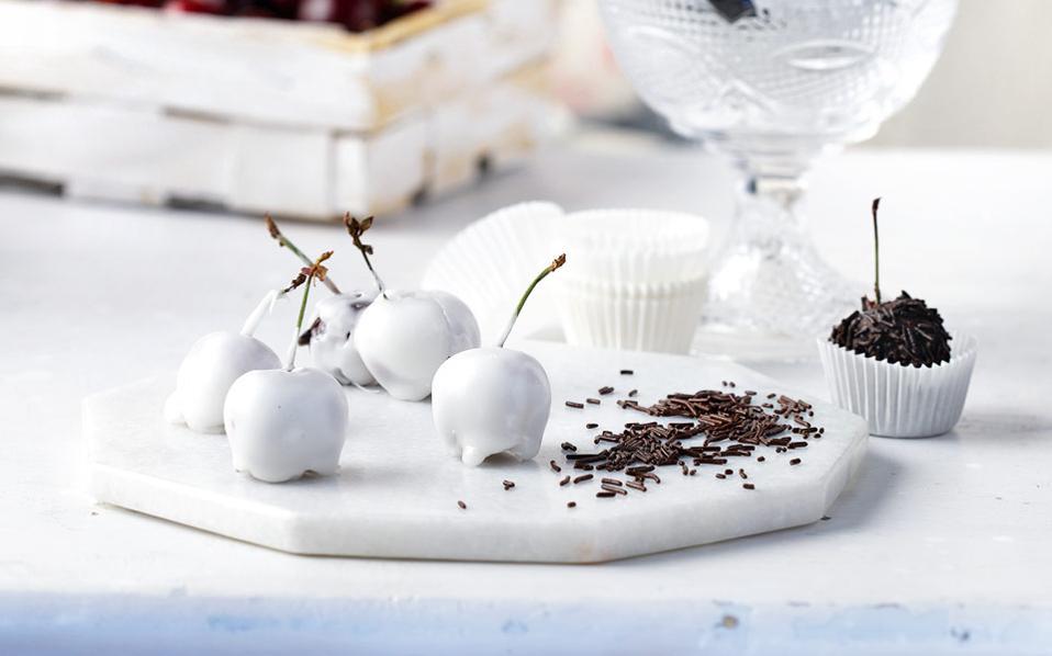 Σοκολατάκια με κεράσι