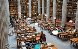 Την 1η Ιανουαρίου 2017 έκλεισε το αναγνωστήριο για το κοινό. Μια πολυμελής ομάδα από καταλογογράφους και βιβλιοθηκονόμους χρειάστηκε να εργαστεί σκληρά ώστε να διορθώσει τις λανθασμένες βιβλιογραφικές εγγραφές. Φωτογραφίες Βαγγέλης Ζαβός