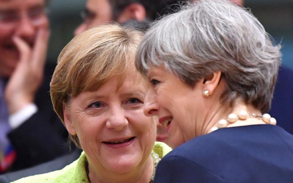 Η παρουσία της Tερέζα Μέι στο περιθώριο της Συνόδου Κορυφής εξαντλήθηκε στην περιγραφή της βρετανικής προσφοράς για το Brexit.