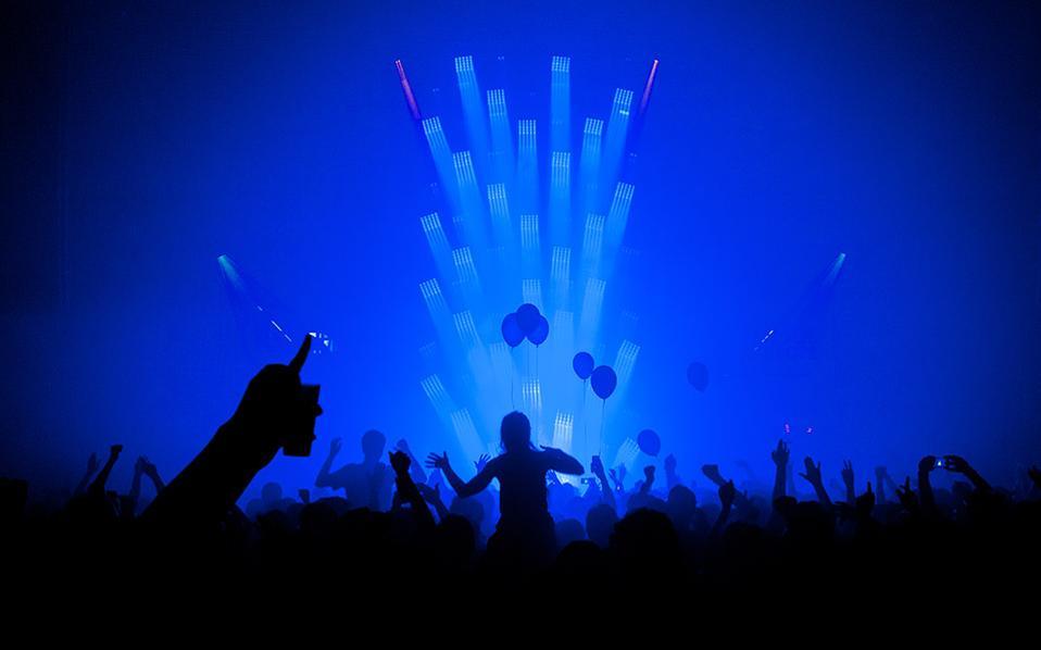 Η ηλεκτρονική μουσική είναι το μέσο επικοινωνίας εκατοντάδων χιλιάδων Ευρωπαίων στη συνέργεια οκτώ φεστιβάλ υπό τον τίτλο WE ARE EUROPE. (Φωτογραφίες: Αλέξανδρος Οικονομίδης)