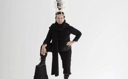 Η Αννα Κοκκίνου στο έργο «Ο παπαγάλλος μου», που σκηνοθέτησε η ίδια.