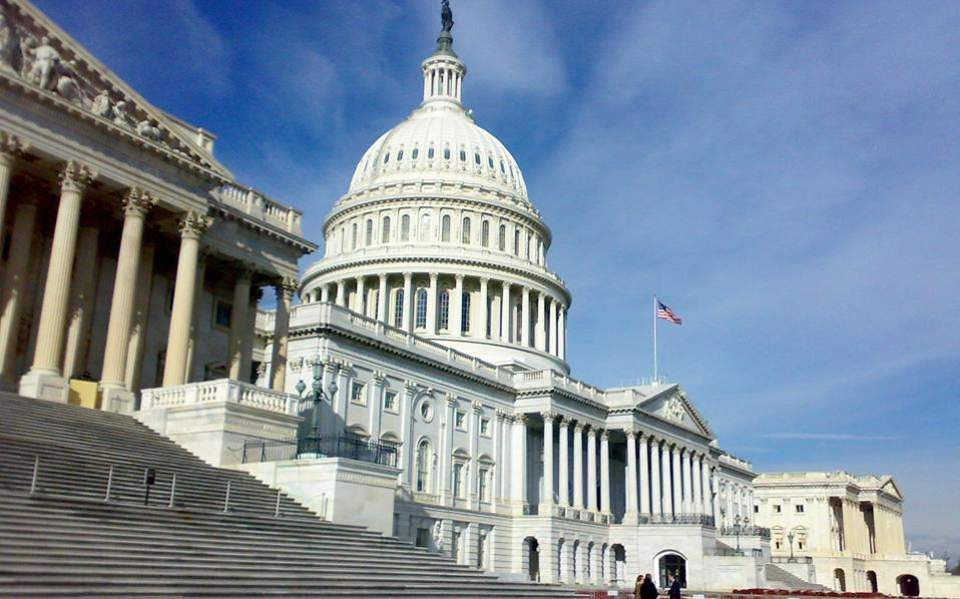 04s10uscongress-thumb-large--2