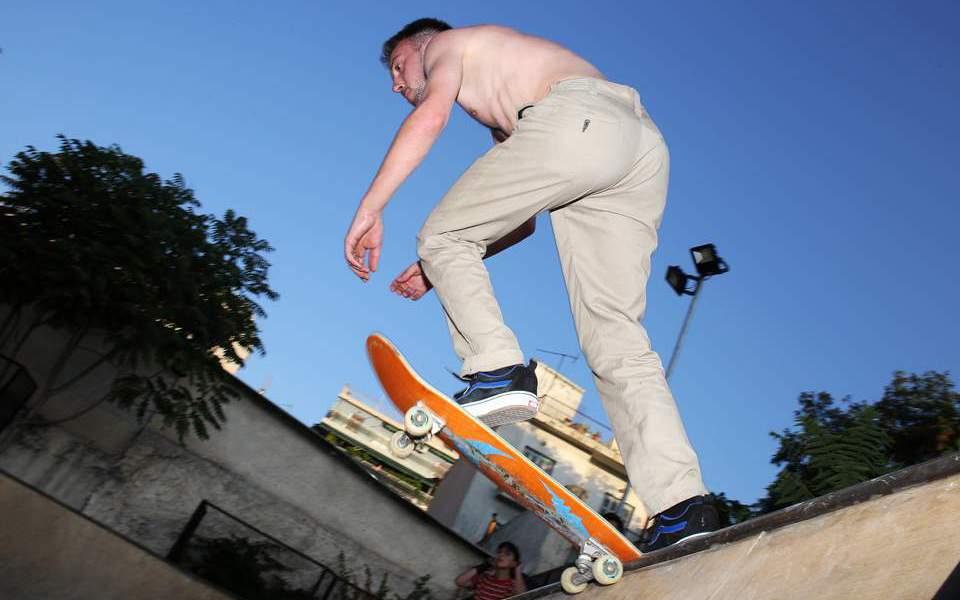 enas-paradeisos-gia-toys-latreis-toy-skate-sto-meta3oyrgeio--2