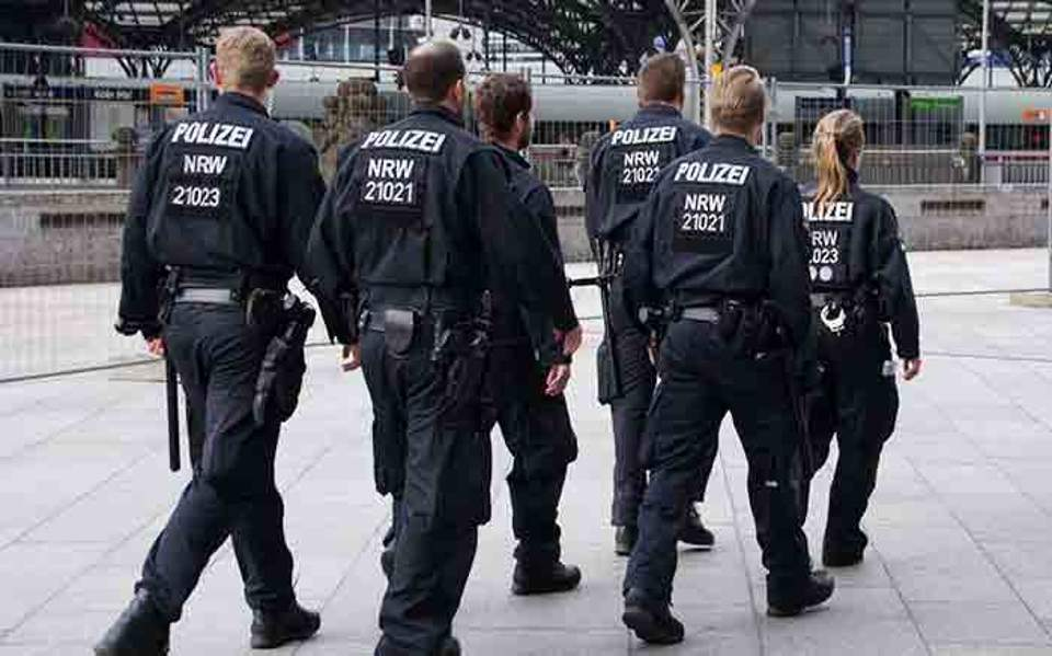 police-germany-010816