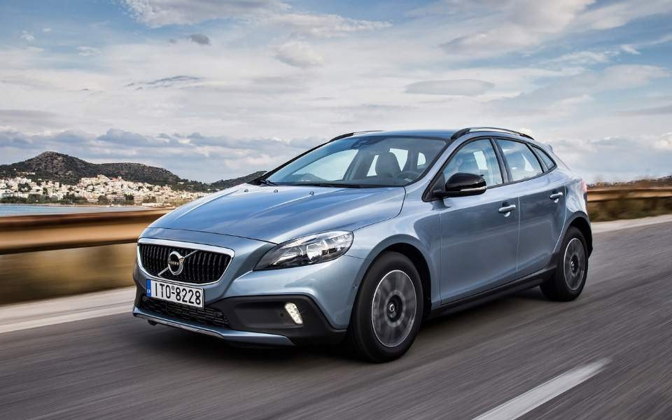 v40-cross-country-t3-15-auto_3