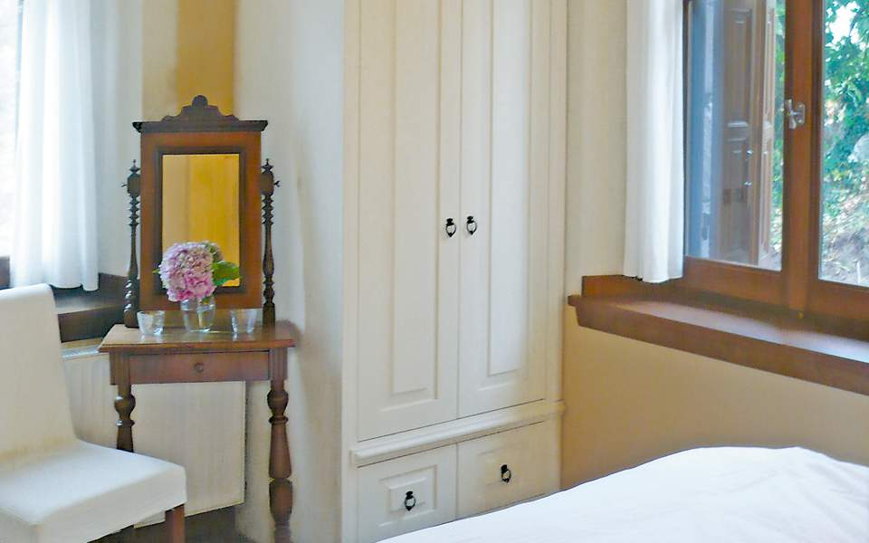 Αποτέλεσμα εικόνας για «Πράσινο φως» για νέα ξενοδοχεία σε Κρήτη, Λευκάδα
